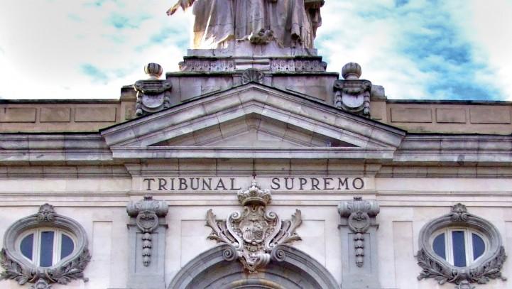 El Supremo anula la cláusula que prevea librar un pagaré como garantía de devolución de un préstamo sin fedatario público