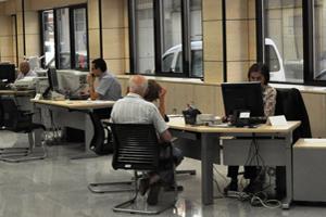El número de trabajadores afectados por regulaciones de empleo hasta noviembre cae un 59%