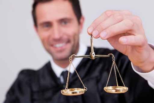 Justicia estudia excluir del pago de tasas judiciales a PYMES y autónomos