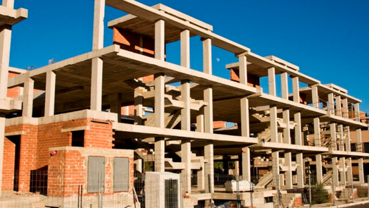 Los contratistas tienen derecho a ser indemnizados cuando se suspendan obras por modificados