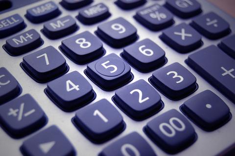 El Gobierno baja a 250 euros la multa mínima por no usar medios electrónicos al declarar datos fiscales