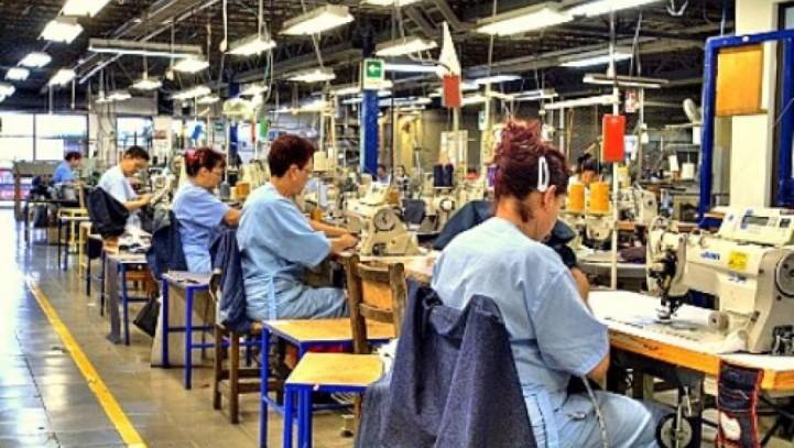 El número de trabajadores afectados por regulaciones de empleo cae un 39% hasta agosto