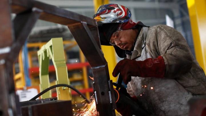 CC.OO. pide subir salarios, una renta mínima y elevar el SMI hasta los 800 euros mensuales en 2017