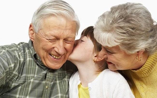 El TS rechaza que los abuelos paguen los gastos extraordinarios de una nieta