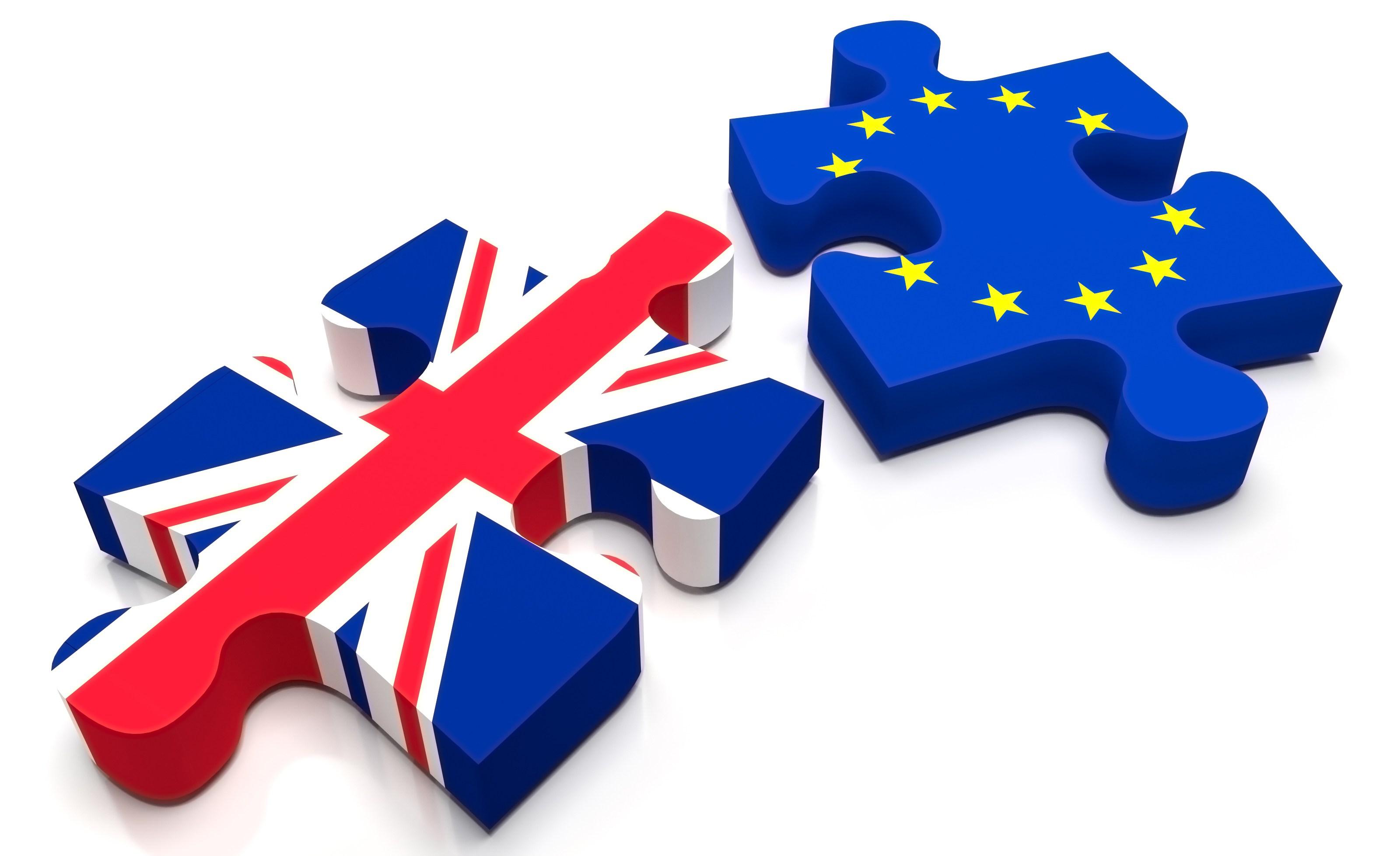 La Eurocámara exige a Londres que active «lo antes posible» el proceso para negociar el 'Brexit'