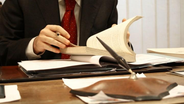 Las pruebas para ser abogado y procurador se podrán realizar en castellano y en las lenguas cooficiales