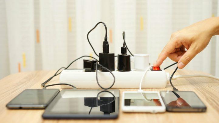 El Gobierno estudia regular el derecho a la desconexión digital