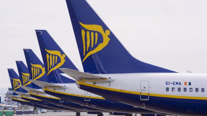 Fomento solicita a Ryanair el cumplimiento de los derechos de los pasajeros ante la cancelación de vuelos