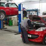 ¿Tienes la obligación de llevar el coche al taller que te diga tu aseguradora?