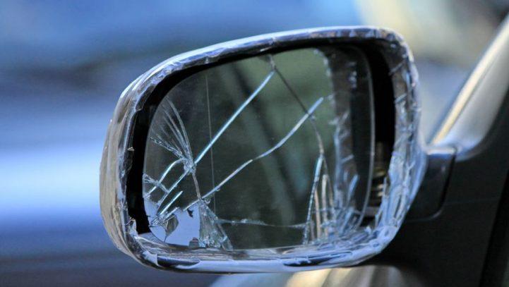 Condenan a un adolescente que causó daños a quince coches en una hora