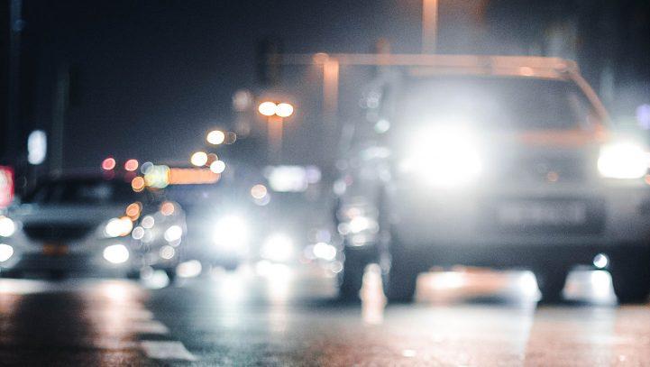 Accidente de tráfico por mancha de aceite en la carretera