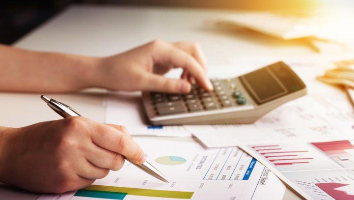 Los contribuyentes que declaran más de 150.000 euros en el IRPF aportan el 15% de la recaudación total