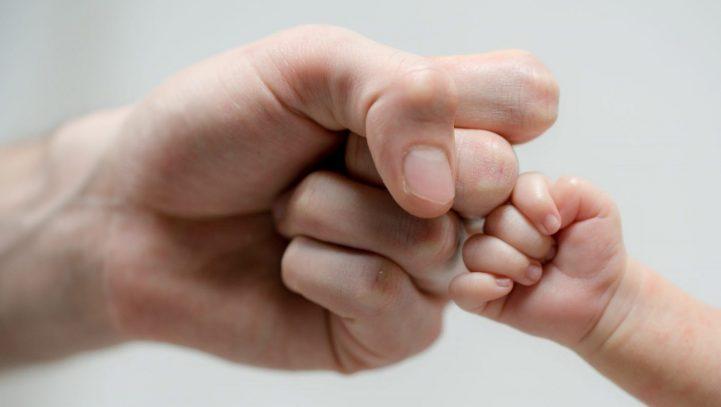 Indemnización por daños morales derivados de ocultación de la paternidad